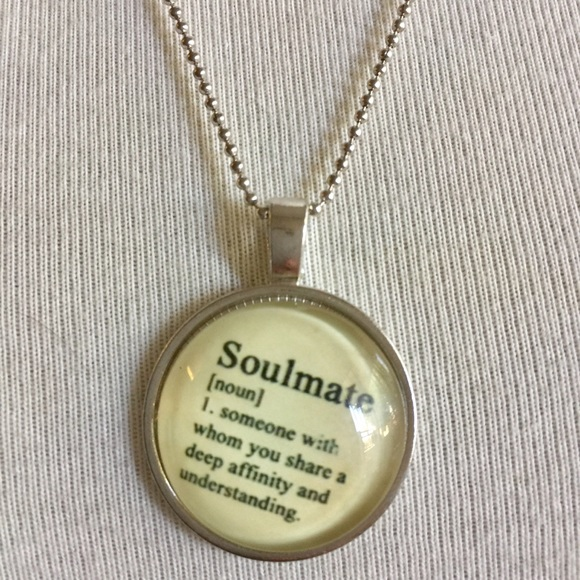 Soulmate • Glowing • Necklace  NWT